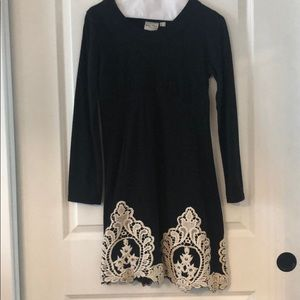 Boutique embroidered sweater dress Sz S